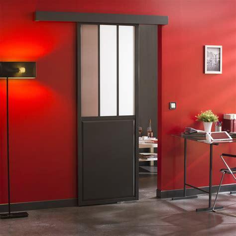 Supérieur Table Et Chaise Cuisine #2: ensemble-porte-coulissante-atelier-verre-clair-mdf-revetu-avec-le-rail-tango.jpg