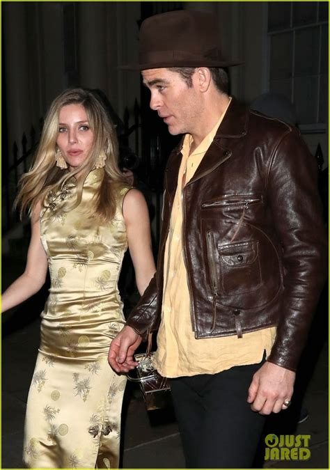 chris pine annabelle wallis couple   late night london party photo  annabelle