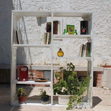 semplice tecnica per realizzare librerie riciclo creativo mobili idee curiose e low cost foto