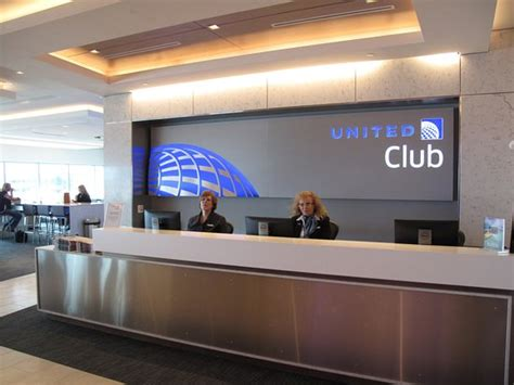 united airlines help desk iah ua entrance desk picture of united airlines