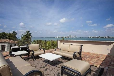 matt damon mansion miami beach living room luxuo 2121730367