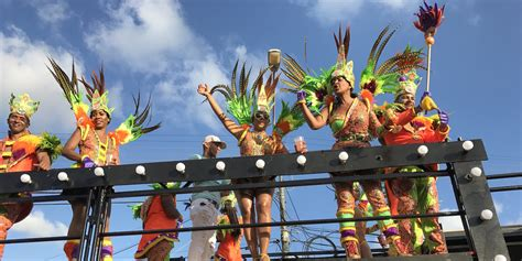 boten feest curacao zo vier je carnaval op curacao we are travellers