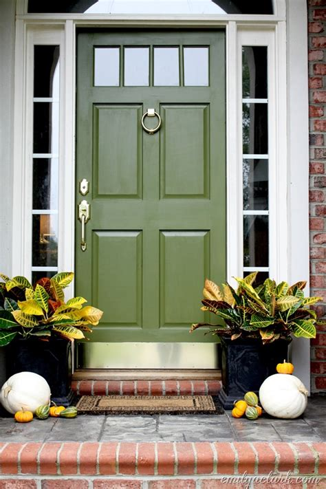 17 Chic Ways To Add Olive Green Into Your Decor Scheme Olive Green Front Door