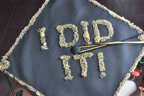 decorate graduation caps  pictures ehow