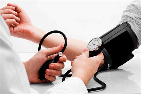 Digital Otomatis Omron 7130 Terlaris 2 gratis monitor tekanan darah gratis monitor