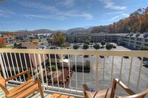Mountain Comfort Lodge Pigeon Forge by Comfort Inn Suites At Dollywood Pigeon Forge