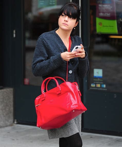 Marc Selma Blair With Marc Sweet Handbag by Selma Blair Brightens Up With Marc Page 4 Of 5