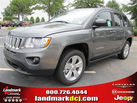gray jeep compass 2011 mineral gray metallic jeep compass 2 0 50690387