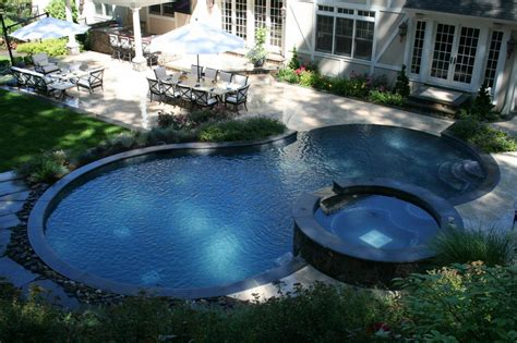 pools with spas negative edge pool with spa from paco pools and spas in
