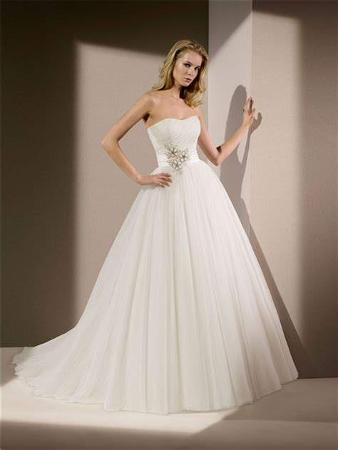 simple princess gown strapless tulle beaded wedding