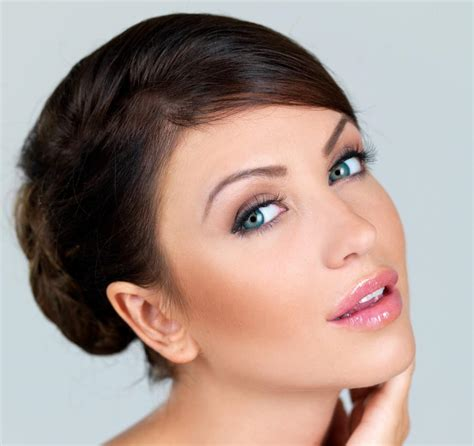 are small foreheads on women attractive attractive facial features the elements of a perfect face