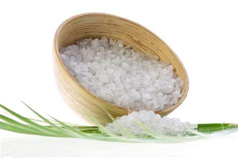 bagni di acqua e sale come dimagrire alle gambe