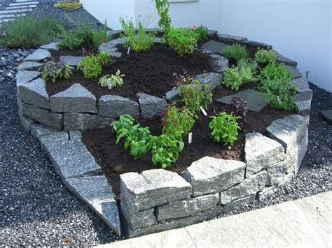 steingarten ideen ideen gestaltung steingarten hang kunstrasen garten