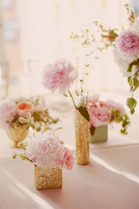 Glitter Vase Centerpiece by Top 25 Ideas About Glitter Vases On Gold Vases