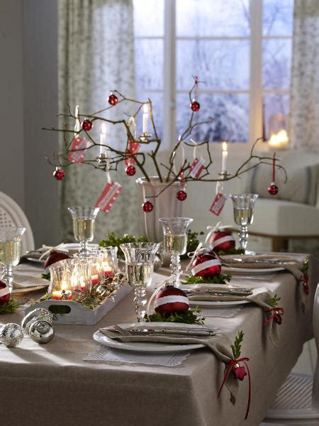 dining room festive dinner table decorating