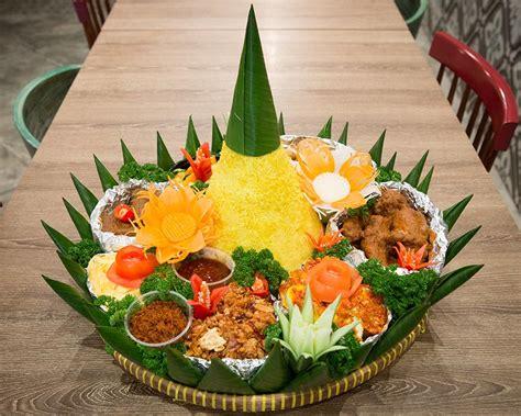 Nasi Tumpeng nasi tumpeng singapore indochili restaurant