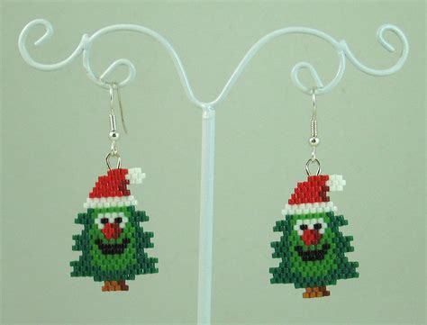 christmas tree earring pattern happy christmas tree beaded earrings christmas by lazyrose