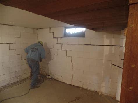 Foundation Repair   Des Moines Basement Foundation Repair