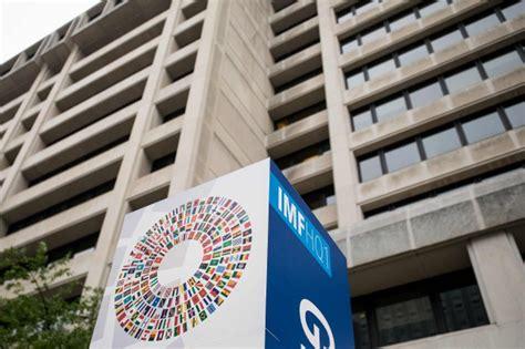 siege fmi solide croissance mondiale mais des risques pointent 224 l