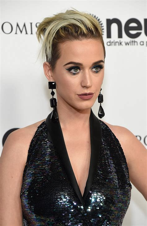 katy lerry fishnets wearing katy perry on the carpet the
