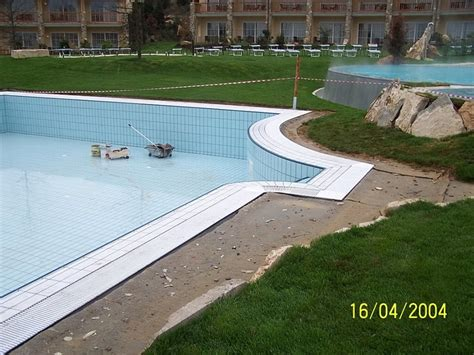 hotel adler terme bagno vignoni piscina albergo adler terme bagno vignoni toscana pool