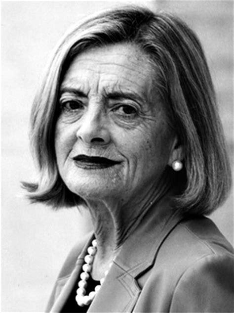 Josefina Aldecoa, libros y biografía de esta escritora en