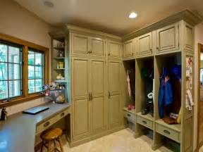 Mudroom Design by Rustic Country Mudrooms Decorating And Design Ideas For
