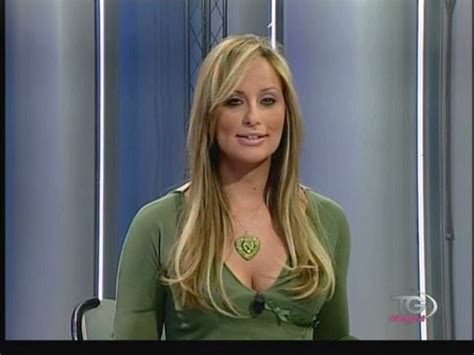 hot female tv personalities hot and sexy int tv anchors and news readers xcitefun net
