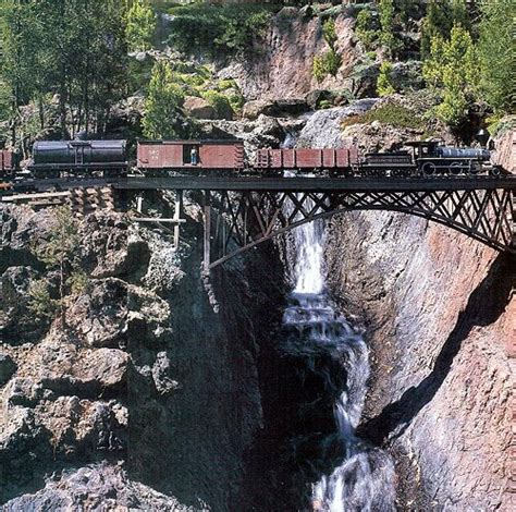 Garden Railroad Layouts A Spectacular Setting For A Garden Railway In The California