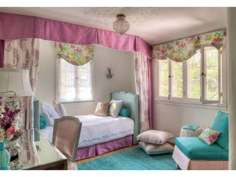 what is considered a small bedroom big bedrooms for teenage girls