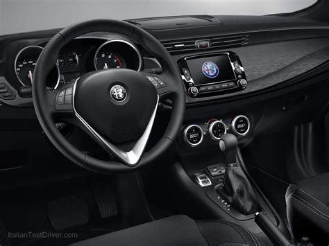 interni alfa giulietta nuova alfa romeo giulietta foto e novit 224 facelift