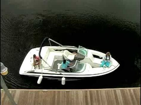 how to dock a single engine inboard outdrive boat stern - Stern Docking Single Engine Boat