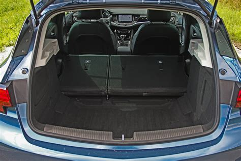 opel astra trunk opel astra 5p trunk space images