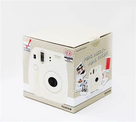 Fujifilm Instax Wide 300 Kamera Polaroid Garansi 1 Tahun vit polaroidkamera med k 246 p den hos brunos