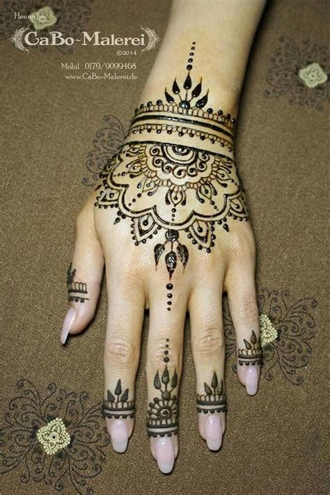 henna tattoo hand design best 25 henna tattoos ideas on