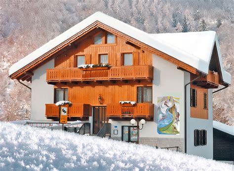 bnb appartamenti jolly bed and breakfast camere appartamenti dimaro