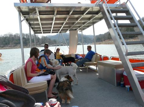 deck boat nashville pontoon boat rentals near nashville tn rent a pontoon
