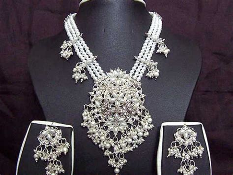 Jewelry Companies by Top Jewellery Companies In The World Rediff Business