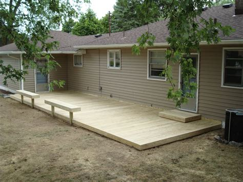 Backyard Deck Ideas Ground Level Triyae Backyard Deck Ideas Ground Level Various