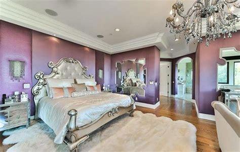 la bedroom in delta goodrem puts la mansion on the market
