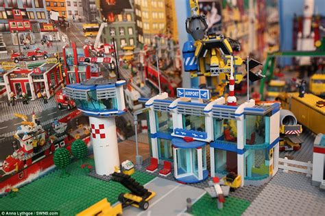 table daly city and spend 5 years and 163 1 000 building a lego
