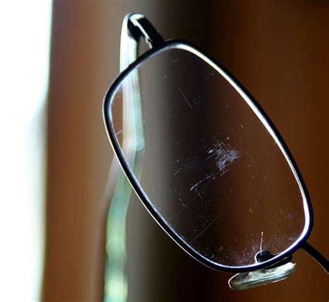 helpful eyeglass scratch removal tips
