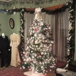 Victorian Decorations For The Home by Victorian House Christmas Decorations Victorian Style