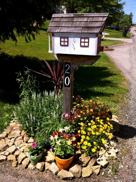 Mailbox Garden Ideas I The Flowers Plants The Mailbox The Home Of