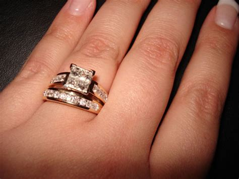 where to wear wedding ring and engagement ring wedding bands engagement rings