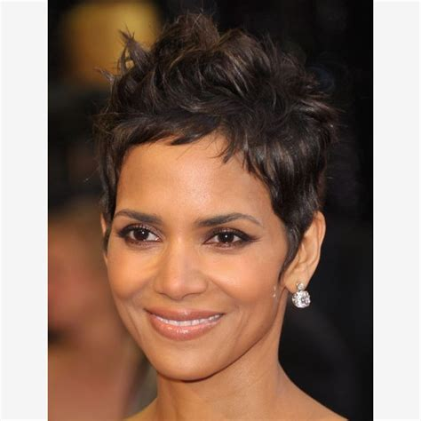 what face shapes do halle berry has what face shape is halle berry hairstyle gallery