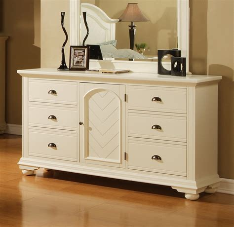 dressers white on brook dresser white finish bp700drw