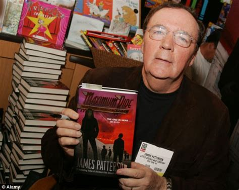 Mr Gives Away His Novel by Patterson Donates 45 000 Of His Books To New York