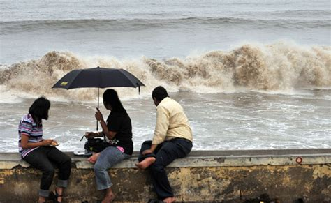 Mba Colleges In Thane District by Schools Shut In Mumbai Parts Of Maharashtra As Cyclone
