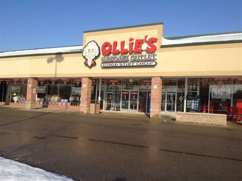 Furniture Stores In Saginaw Mi by Ollie S Bargain Outlet Department Stores 4602 State St